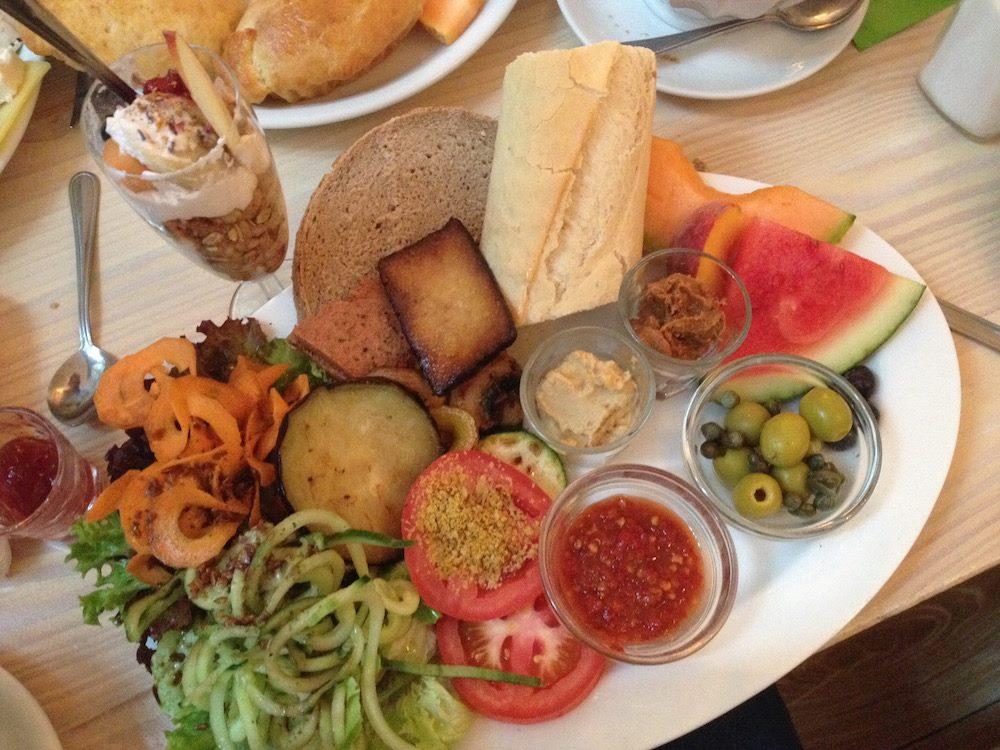 sonja.veganes frühstück sahneweiß