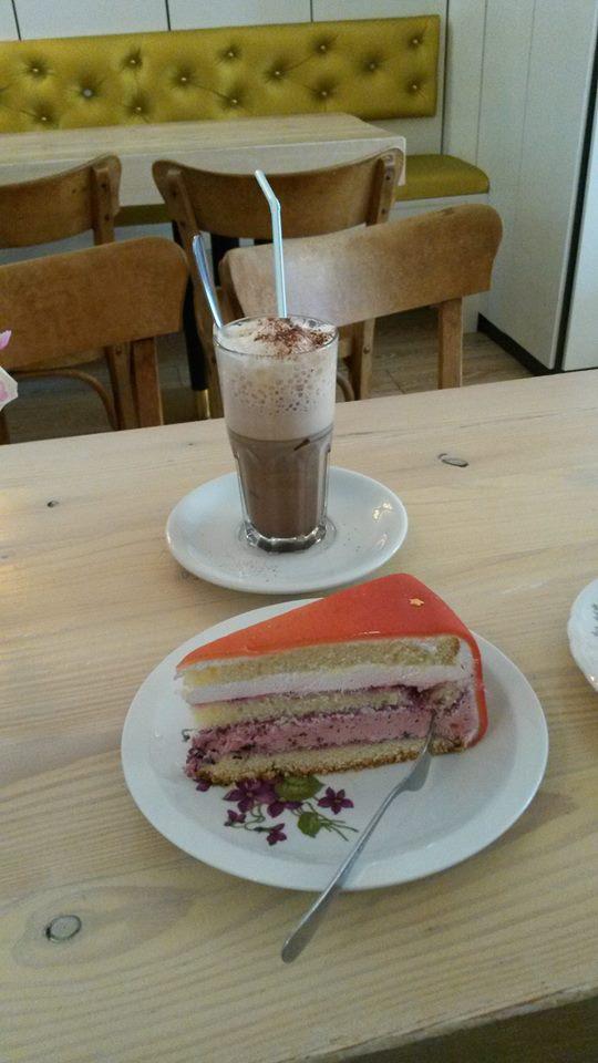 laura.cafesahneweiß